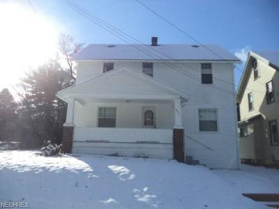 Youngstown Single Family Home For Sale: 3454 Sheridan Rd