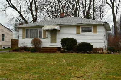 North Olmsted Single Family Home For Sale: 24019 Lebern Dr