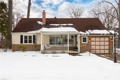 Avon Lake Single Family Home For Sale: 85 Maple Cliff Dr