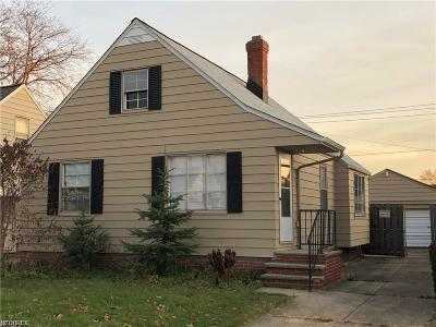 Garfield Heights Single Family Home For Sale: 13012 Oak Park Blvd