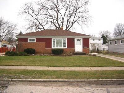 Parma Single Family Home For Sale: 11301 Aaron Dr