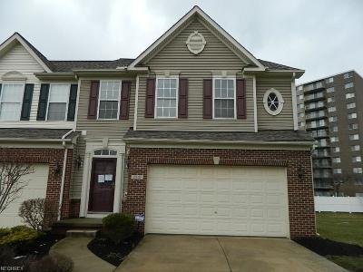 Willoughby Hills Single Family Home For Sale: 2910 Cambridge Cir