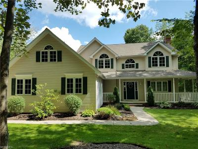 Geauga County Single Family Home For Sale: 12125 Burlington Glen Dr