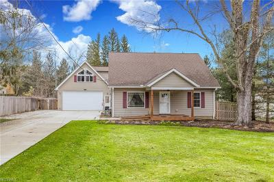 Geauga County Single Family Home For Sale: 12488 Jackson Dr