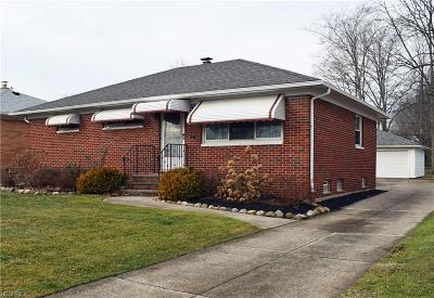 Wickliffe Single Family Home For Sale: 1814 Ridgewick Dr