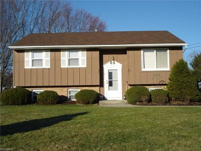 Middlefield Single Family Home For Sale: 14780 Cedarwood Ct