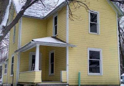 Wadsworth Single Family Home For Sale: 176 Pine St