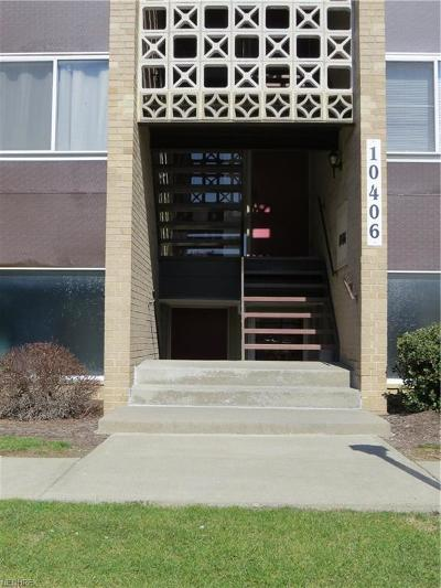 Parma Heights Condo/Townhouse For Sale: 10406 North Church Dr #414