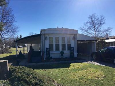Olmsted Falls Single Family Home For Sale: 61 Parkway St