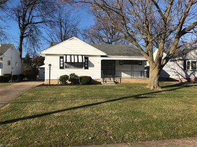 Lorain Single Family Home For Sale: 912 West 30th St