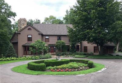Chagrin Falls Single Family Home For Sale: 7460 Water Fall Trl