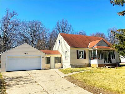 North Olmsted Single Family Home For Sale: 6462 Mackenzie Rd