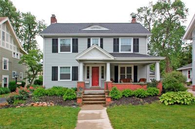 Lakewood Single Family Home For Sale: 18175 Clifton Rd