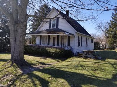 Struthers Single Family Home For Sale: 160 Oakview Ave