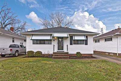 Maple Heights Single Family Home For Sale: 5461 Elmwood Ave