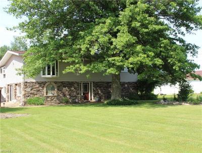 Geneva Single Family Home For Sale: 5857 Trumbull Rd