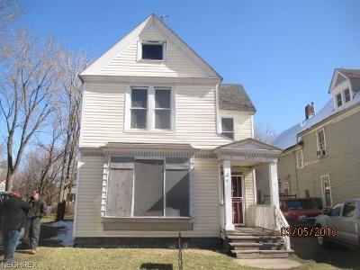 Cleveland Multi Family Home For Sale: 3255 East 55th St