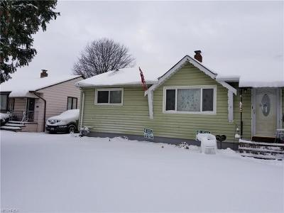 Brook Park Single Family Home For Sale: 5950 Fry Rd