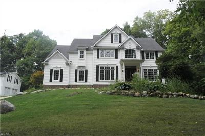 Chagrin Falls Single Family Home For Sale: 18880 Eastwood Dr