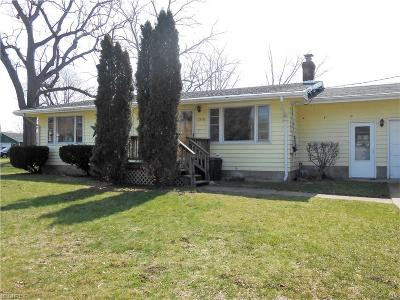 Ashtabula Single Family Home For Sale: 1510 Perryville Pl