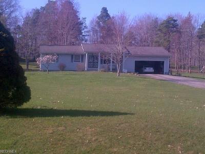 Ashtabula Single Family Home For Sale: 2725 Pine Ridge Rd
