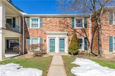Lyndhurst Condo/Townhouse For Sale: 5727 York Dr