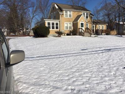 Twinsburg Multi Family Home For Sale: 2661 East Aurora Rd