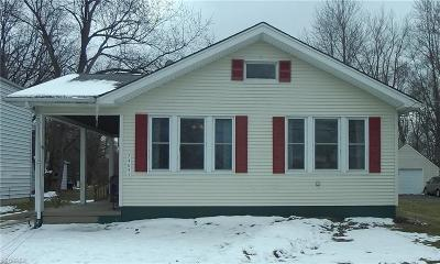 North Olmsted Single Family Home For Sale: 24095 Elm Rd