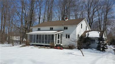 Geauga County Single Family Home For Sale: 13495 Forest Rd