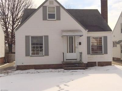 Garfield Heights Single Family Home For Sale: 9010 McCracken Blvd