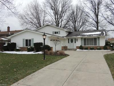 North Olmsted Single Family Home For Sale: 24281 North Oxford Oval