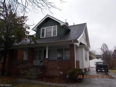 Shaker Heights Single Family Home For Sale: 3558 Chelton Rd