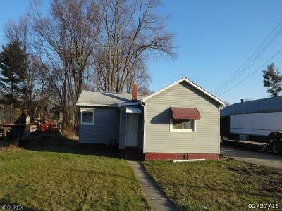 Ashtabula County Single Family Home For Sale: 941 West 52nd St