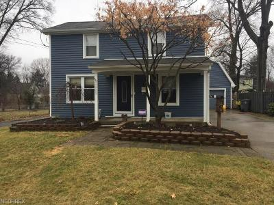 Youngstown Single Family Home For Sale: 3602 Shelby Rd