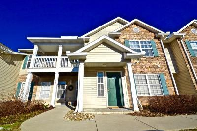 Strongsville OH Condo/Townhouse For Sale: $119,900