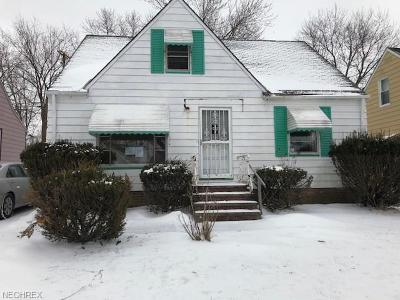 Maple Heights Single Family Home For Sale: 5409 Oakwood Ave