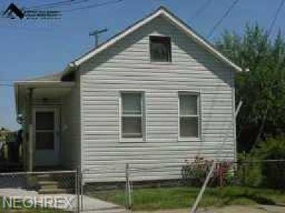 Cleveland Single Family Home For Sale: 3021 Victor Ave