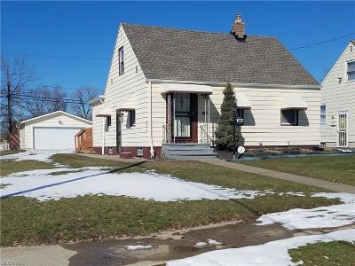 Cuyahoga County Single Family Home For Sale: 16901 Lotus Dr.
