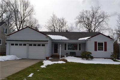 Lyndhurst Single Family Home For Sale: 5152 Longton Rd