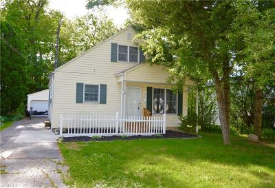 Avon Lake Single Family Home For Sale: 176 Forest Hill Dr