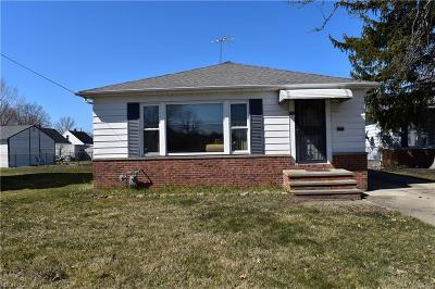 Willowick Single Family Home For Sale: 588 East 305th St