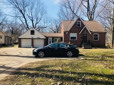 North Olmsted Single Family Home For Sale: 4420 Clague Rd