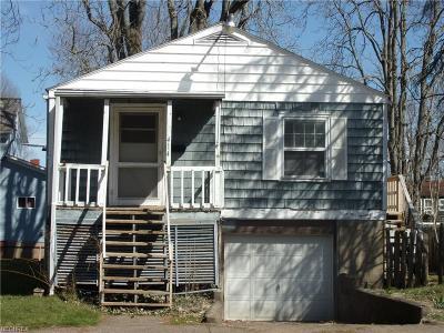 Marietta Single Family Home For Sale: 414 Harmar
