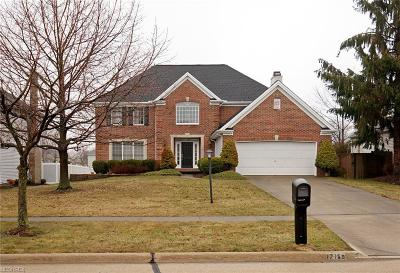 Strongsville Single Family Home For Sale: 17159 Hampton Chase