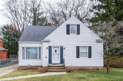 Parma Heights Single Family Home For Sale: 6217 Stratford Dr