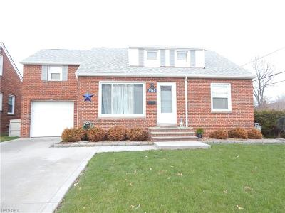 Middleburg Heights Single Family Home For Sale: 15960 Webster Rd