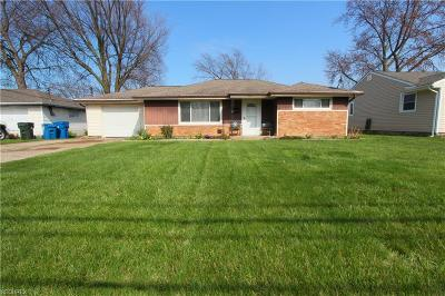 Lorain County Single Family Home For Sale: 885 Lake Breeze Rd