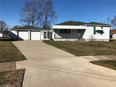 Lorain Single Family Home For Sale: 2914 Andrews Pl