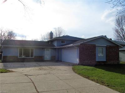 Strongsville OH Single Family Home For Sale: $157,500