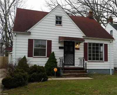 Maple Heights Single Family Home For Sale: 17794 Waterbury Ave